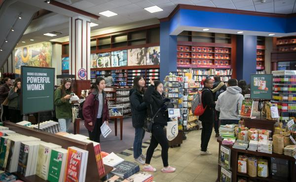 Photo of Interior of Penn Bookstore