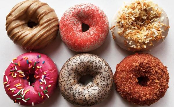 Image of 6 colorful donuts